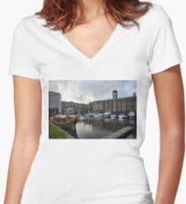 Gloriana British Royal Barge Women's Fitted V-Neck T-Shirt
