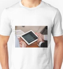 Apple iPad2 T-Shirt