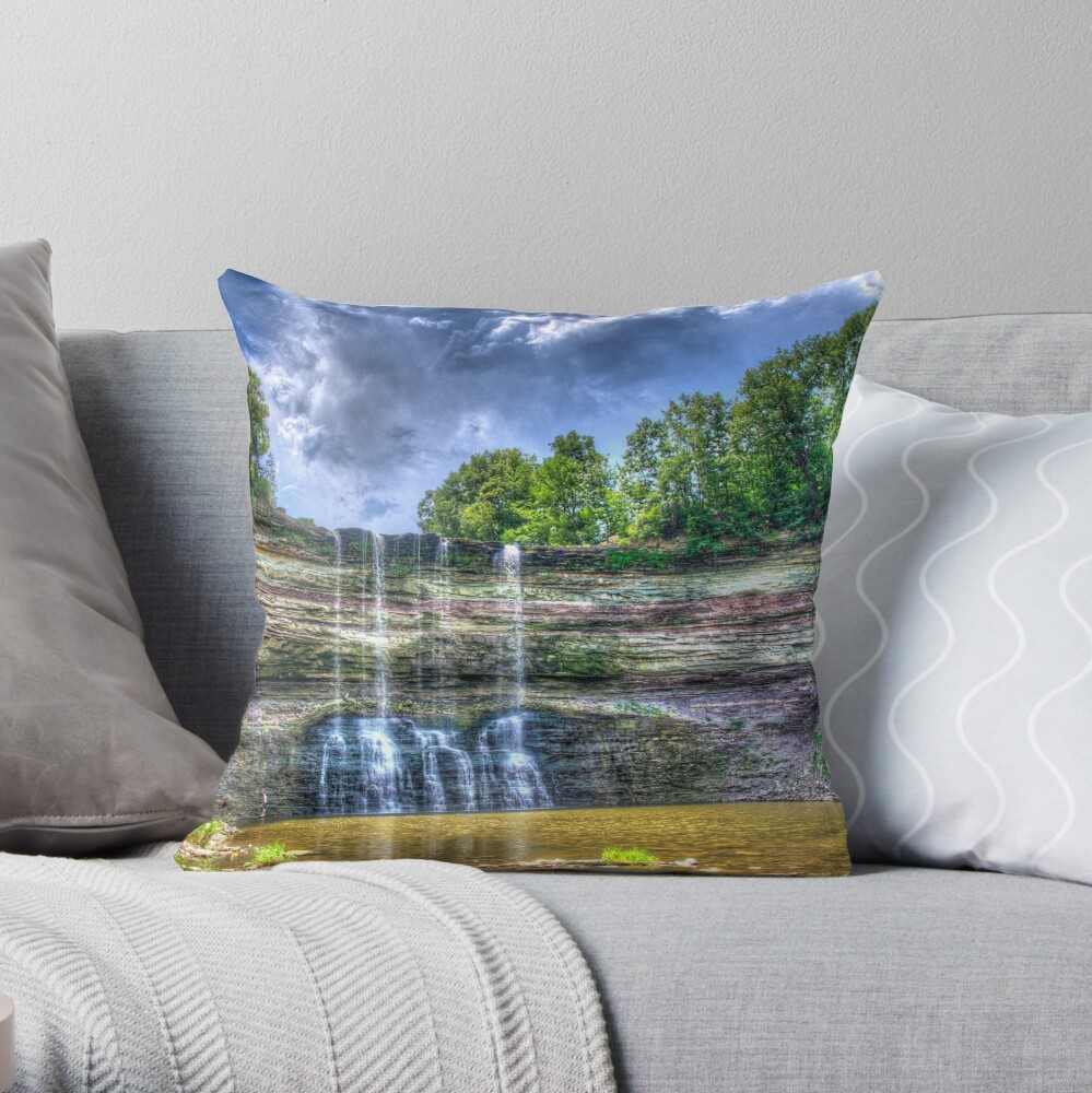 Vibrant waterfall Throw Pillow