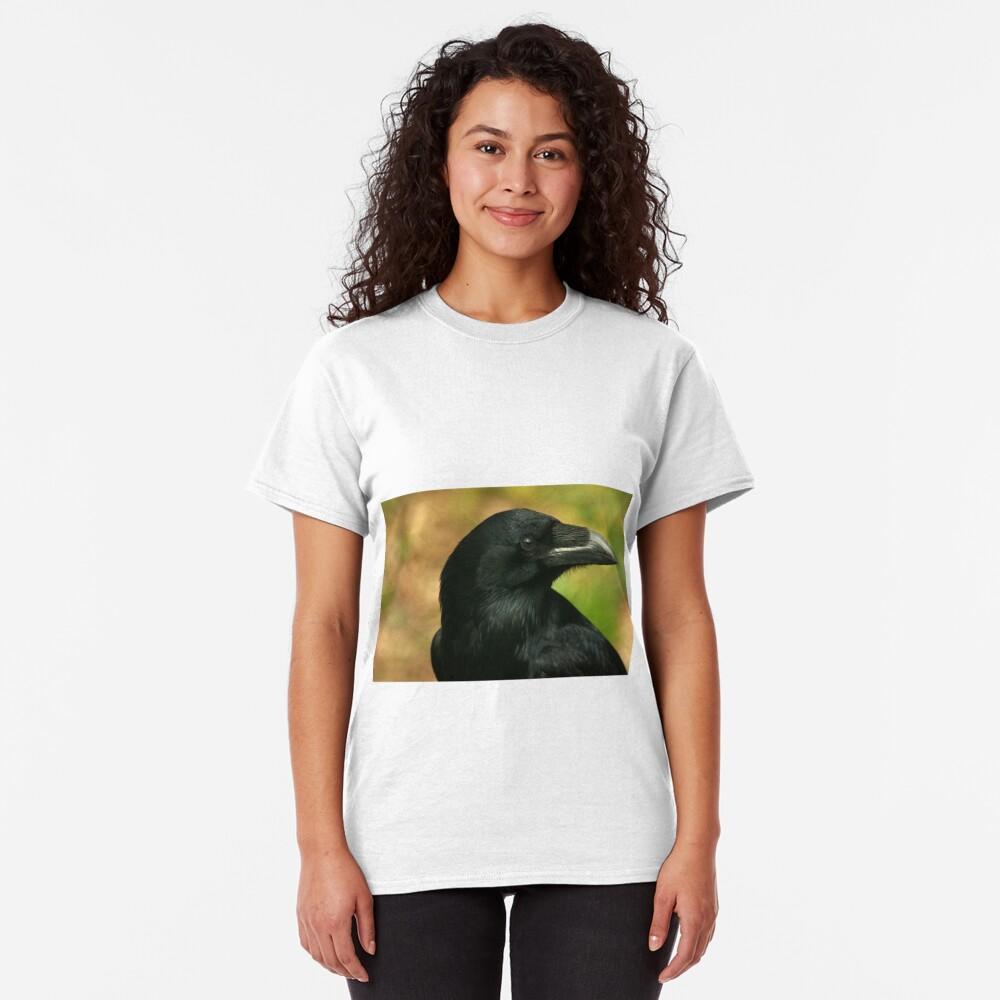 Raven, totem bird ... Classic T-Shirt