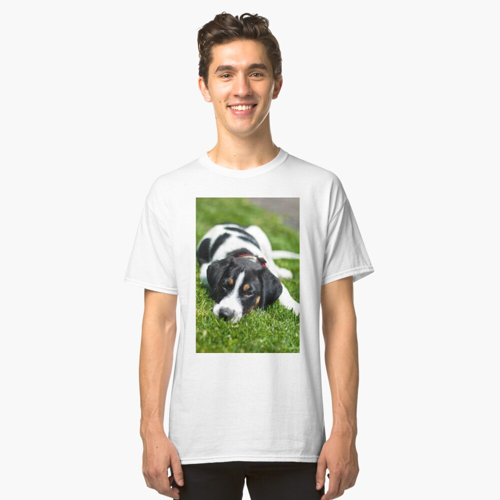 Puppy in the grass Classic T-Shirt