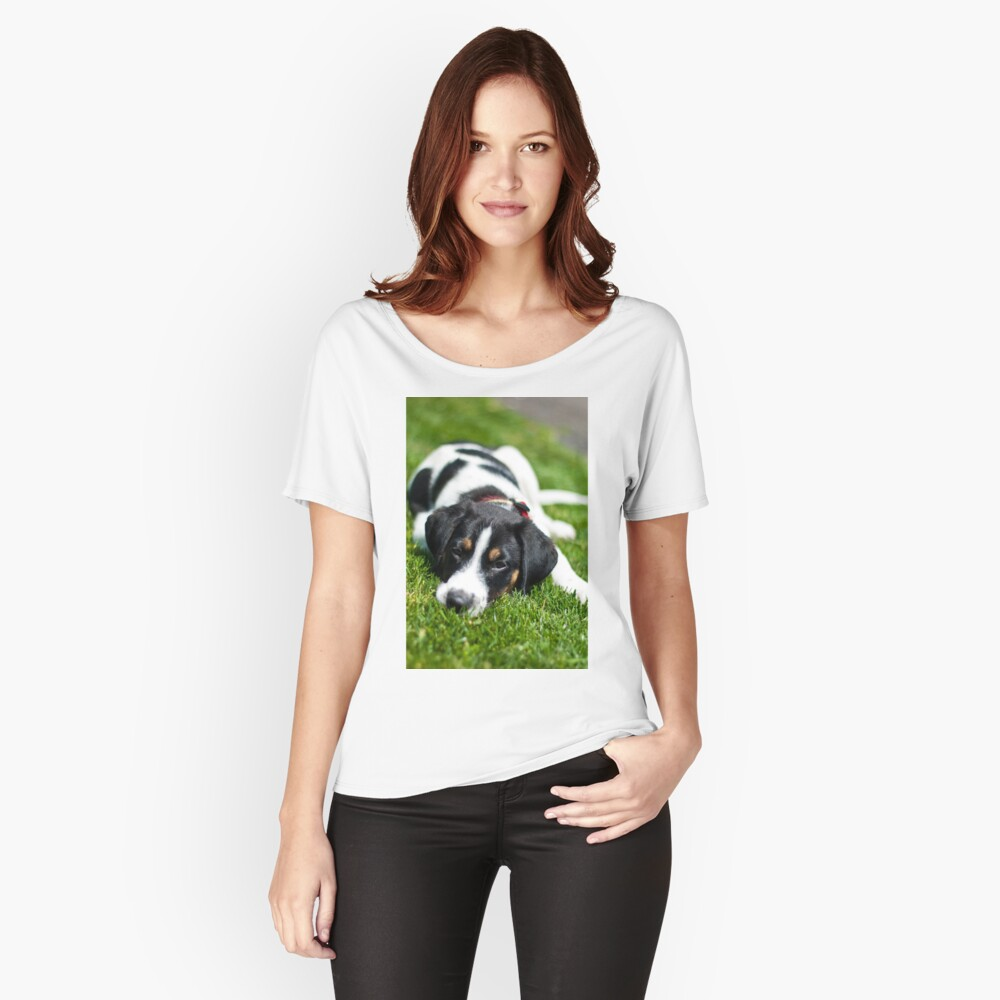 Puppy in the grass Relaxed Fit T-Shirt
