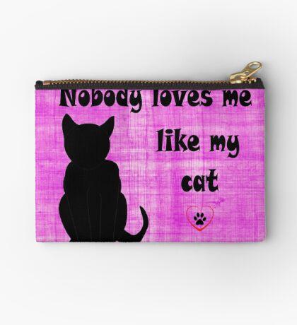 Nobody Loves me like my Cat Studio Pouch