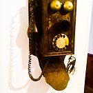 Antique phone. by ALEJANDRA TRIANA MUÑOZ