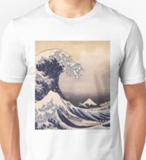 Katsushika Hokusai - The Great Wave Off the Coast of Kanagawa 19th century . Japanese Seascape T-Shirt