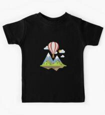 air trip mountain design balloon ballon montgolfière ballooning  Kids Tee