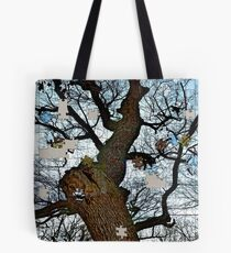Old tree puzzle Tote Bag