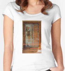 Ivory Door Women's Fitted Scoop T-Shirt
