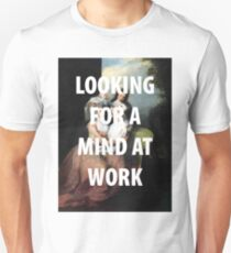 Ein Geist bei der Arbeit Slim Fit T-Shirt