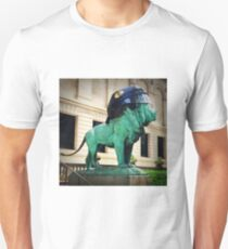 Blackhawks helmet lion art institute color photo Unisex T-Shirt