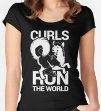 CURLS RUN THE WORLD Women's Fitted Scoop T-Shirt