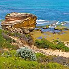 St Pauls bay on the ocean coast at Sorrento in Victoria. by johnrf