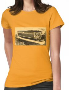 Vintage Old Classic Car Headlight Womens Fitted T-Shirt