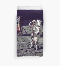 Into the moon Duvet Cover