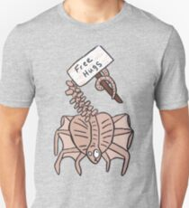 Free Hugs Facehugger  T-Shirt