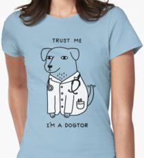 Dogtor Tailliertes T-Shirt für Frauen