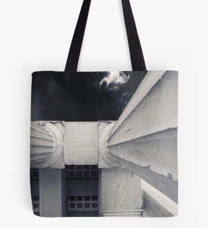 feel the city II Tote Bag