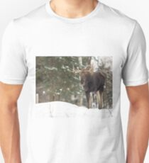 Bull moose in winter T-Shirt
