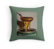 SPOON DRIPPING GOLDEN SYRUP Throw Pillow