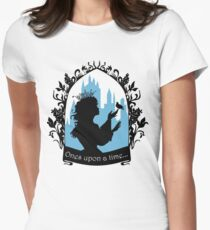 Beautiful  princess silhouette with singing bird T-Shirt
