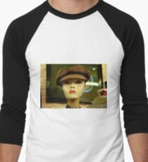 woman Men's Baseball ¾ T-Shirt