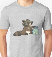 Funny little raccoon collects crickets T-Shirt