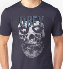 Obey you misfit! T-Shirt
