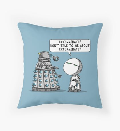 Marvin meets Who? Throw Pillow