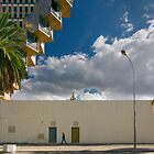 People In Town - Tunis' Mohamed V Avenue by Yannick Verkindere