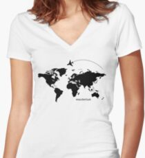 Wanderlust Tailliertes T-Shirt mit V-Ausschnitt