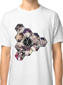 """EXO """"Love Me Right"""" Classic T-Shirt"""