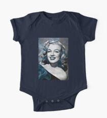 Marilyn Monroe with a bit of smoke Kids Clothes