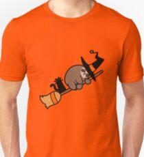 Camiseta unisex Witch Sloth en escoba