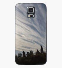 walking downhill Case/Skin for Samsung Galaxy