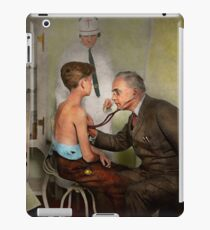 Doctor - At the pediatricians office 1925 iPad Case/Skin