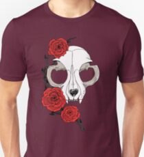 Cat skull and roses: Colored Unisex T-Shirt