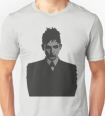 Penguin portait - Gotham Unisex T-Shirt