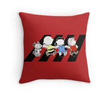 Peanuts Gang Throw Pillow