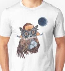 Owl mother Unisex T-Shirt