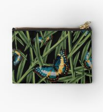 Dicky Bow - Betty Studio Pouch