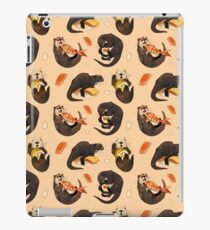 Tiny otters and their sushi iPad Case/Skin