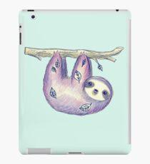 Purple Leaf Sloth iPad-Hülle & Klebefolie