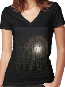 Waterside Women's Fitted V-Neck T-Shirt