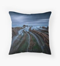 Addictive Curves Throw Pillow