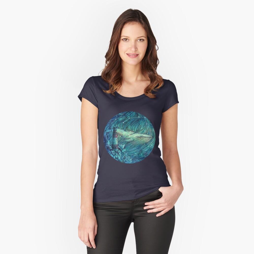 Mondscheinmeer Tailliertes Rundhals-Shirt
