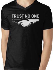 trust no one! Mens V-Neck T-Shirt