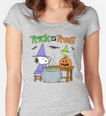 Snoopy Trick Or Treat Women's Fitted Scoop T-Shirt