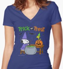 Snoopy Trick Or Treat Women's Fitted V-Neck T-Shirt