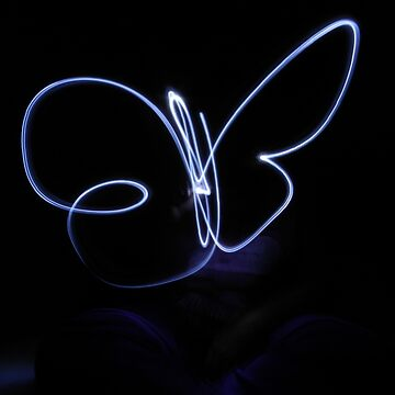 PROJECT: Playing with Lights: Butterfly by ViczS