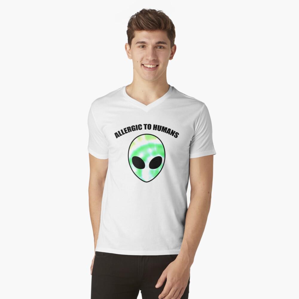 Allergiker für Menschen - Tie Dye Alien Print T-Shirt mit V-Ausschnitt